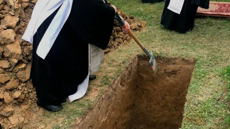 Можно ли приглашать на православные похороны представителей другой веры?