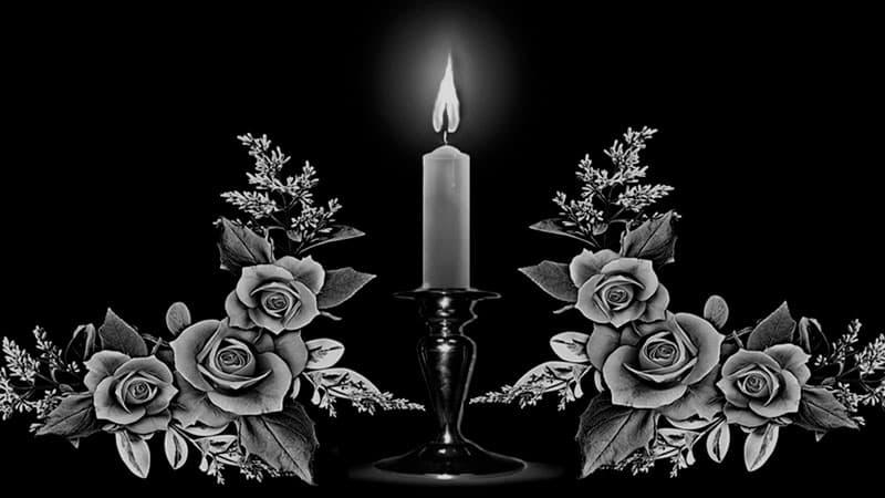 Памятник с изображением свечи