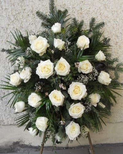 Венок из живых цветов «Безмятежность»