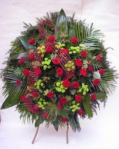 Венок из живых цветов «Бесконечность»