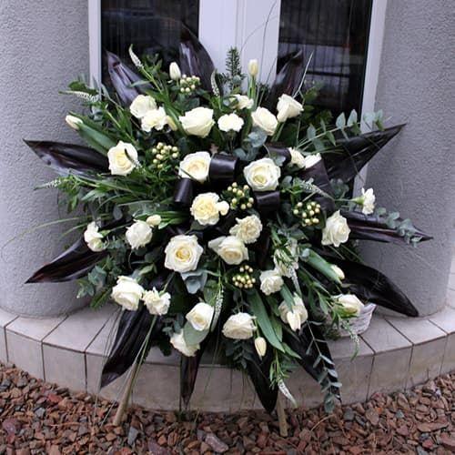 Венок из живых цветов «Вечность»