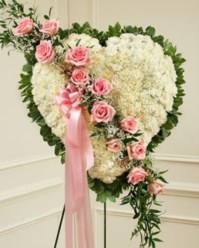 Венок из живых цветов «Умиротворение-сердце»